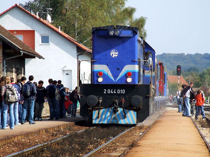 Vozni Red Vrijeme Putovanja Vlakom Je Kroz Godine Podlozno Promjenama